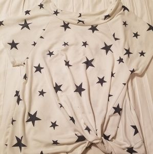 Tops - White twist front shirt with stars
